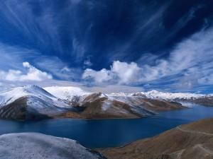 paisajes_de_montanas_azules
